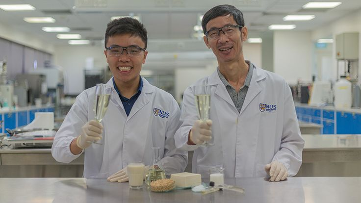 A research team from the National University of Singapore (NUS) has successfully turned tofu whey, a liquid that is generated from the production of tofu and is often discarded, into a tasty alcoholic beverage which they named Sachi. The innovative fermentation technique also enriches the drink...