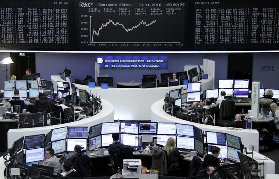 Börse: Dax steckt Donald Trumps Sieg gut weg Nach einem kurzen Schock-Moment nach dem Sieg von Donald Trump hat sich der deutsche Aktienmarkt schnell wieder erholt. Die Verluste waren schon am früh…