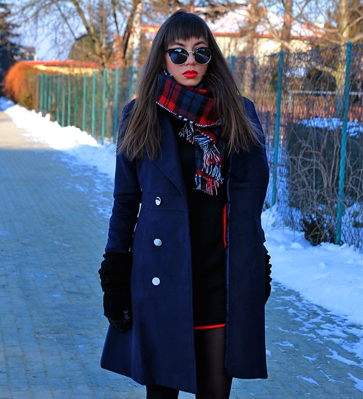 navy double breasted coat in military style and plaid wool scarf: https://jointyicroissanty.blogspot.com/2017/01/navy-double-breasted-coat.html