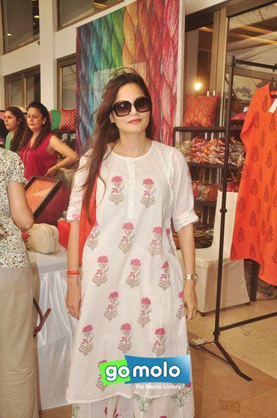 Alvira Agnihotri at Araaish Exhibition at Hotel Blue Sea in Worli, Mumbai