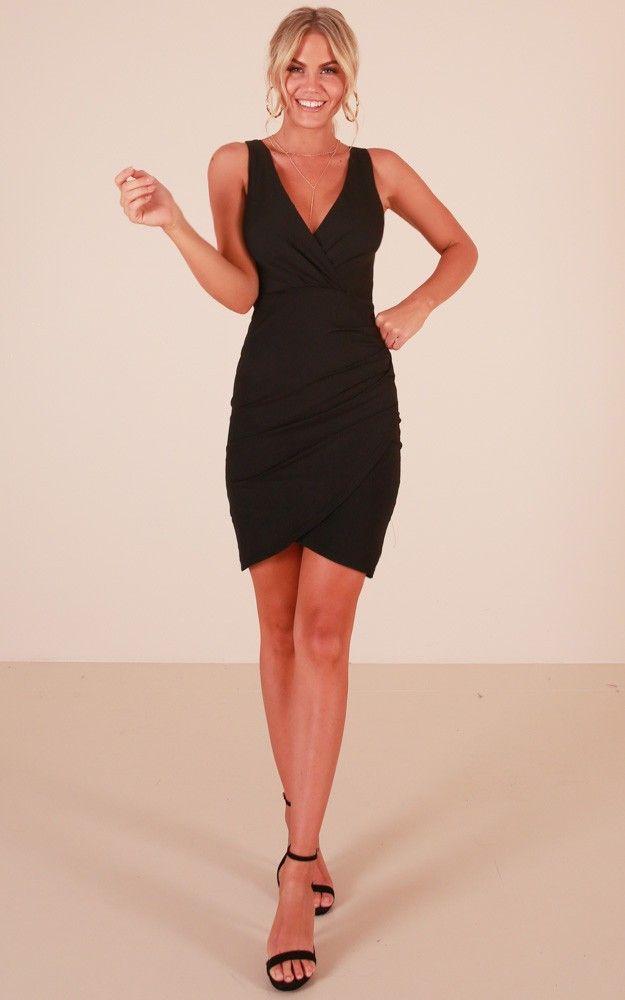 Kalem Elbise Modelleri Siyah Kalin Askili V Yakali Sade The Dress Elbise Modelleri Kalem Elbise