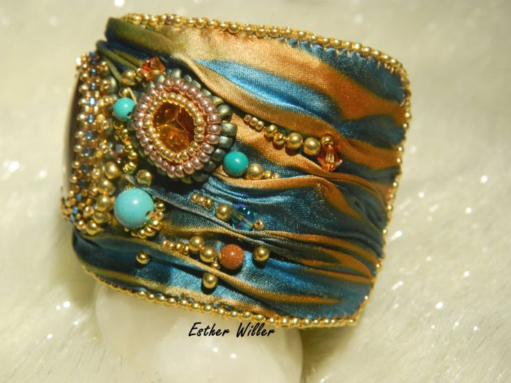 embroidered cuff shibori  Silk road by EstherWiller on Etsy, €79.00