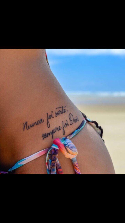 Tatuagem com escritas