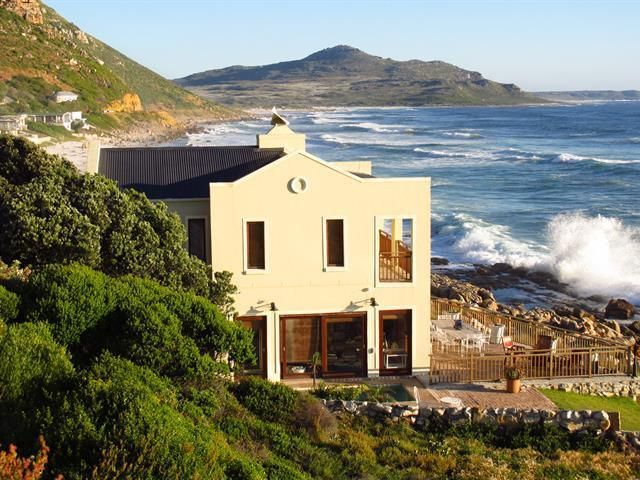 4 bedroom house for sale in Misty Cliffs for R 9 995 000 with web reference 589426 - Jawitz False Bay/Noordhoek
