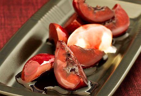 Plommon i vin | Recept från Köket.se