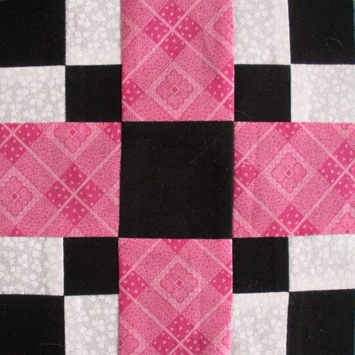 Quilt block idea. Yes, I'm actually considering making another quilt! (I love the one that I made this summer so much!)