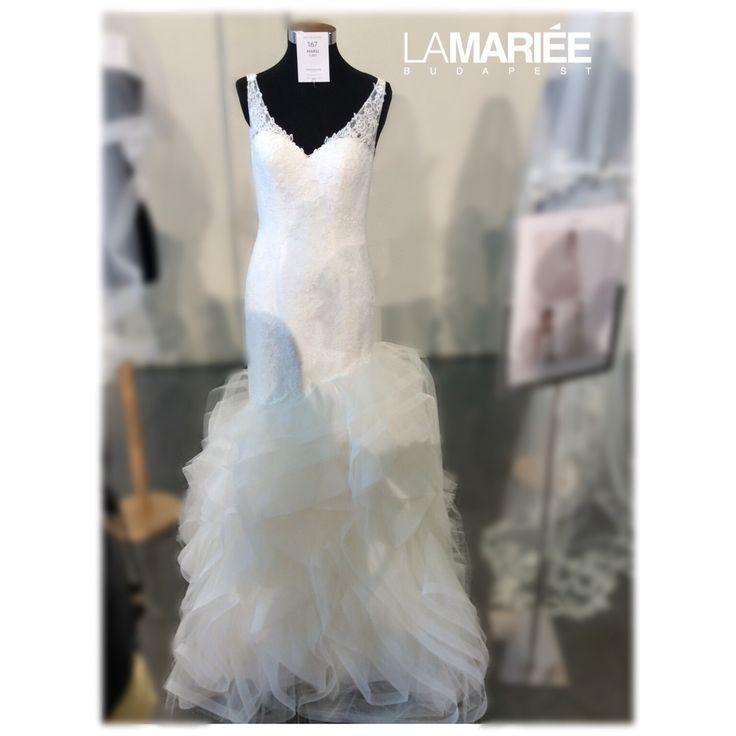 Maku wedding dress by Pronovias http://lamariee.hu/eskuvoi-ruha/pronovias/maku