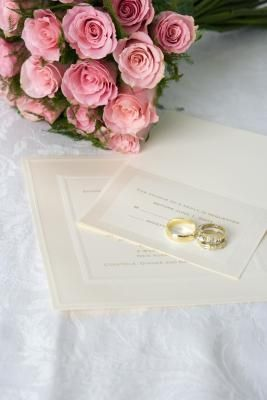 How to Word Wedding Invitations for Money Gifts