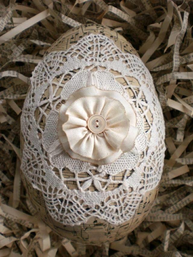 Ostereier Spitze dekorieren Blumenmuster weiße häckeln