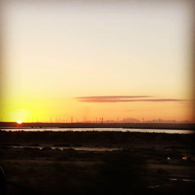 """Así amanecía esta mañana camino del trabajo, parecía que el sol ☀ no quería salir de su """"descanso"""" nocturno... 😁  #sunrise #sun #amanecer #amazing #view #paradise #nature #naturaleza #clouds #nubes #salinas #aerogeneradores #igers #igersspain #igerscadiz #cadiz #huaweipics #huaweip9plus #huaweispain #huawei_news #foto #photo #leica_camera #leica 📷 #mountains #sierradecadiz #montereylocals #salinaslocals- posted by David Sánchez https://www.instagram.com/little.aprendiz - See more of…"""