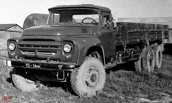 10 Военный вариант 8-тонного грузовика ЗиЛ-133Г1 с задними ведущими колёсами. 1975 год