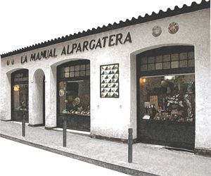 La Manual Alpargatera was the first workshop that made fashion espadrilles, since 1940, before sandals were considered a type of footwear