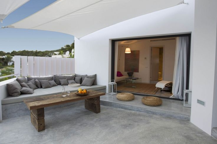 concrete outdoor seating - Can Mo by Atlant del Vent - Danisol Ibiza Builders