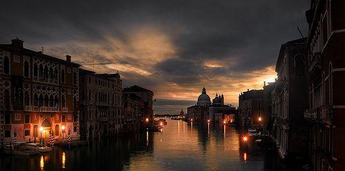 Dark Venice: Venice Bi, Dreams Places, Favorite Places, Sunsets, Lifestyle, Venice, Night, Venice Italy, Dark Venice