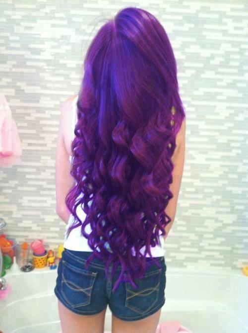 Fialové vlasy :D