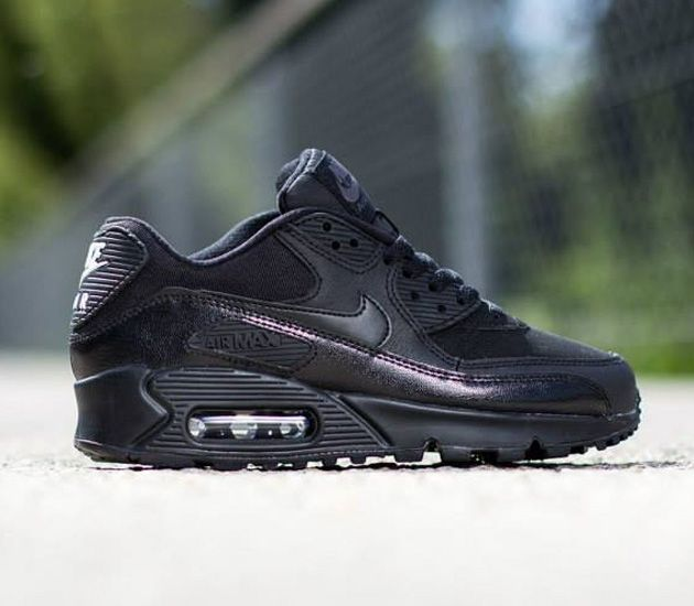 Nike Air Max 90 GS – Black / Dark Grey