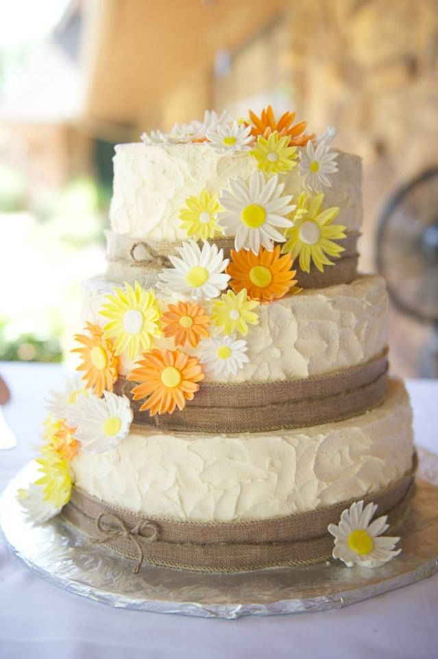 wedding cakes with daisy flowers 1000 images about rustic cake on wedding 26017