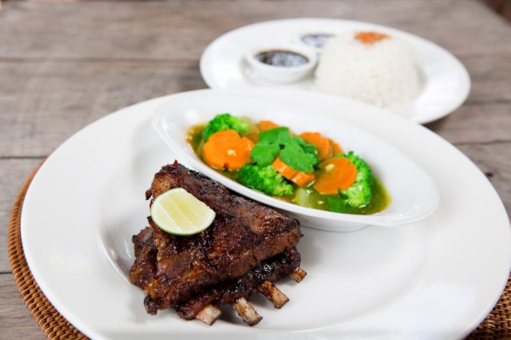 Semar Grilled Pork rib  Semar Warung style grilled pork rib and vegetables, served with potatoes or rice.