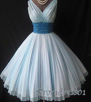 Pretty v-neck vintage prom dress. blue ball gowns wedding dress #coniefox #2016prom