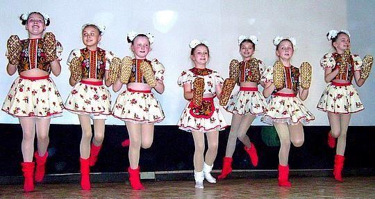 Концертные костюмы для ансамбля русской пляски