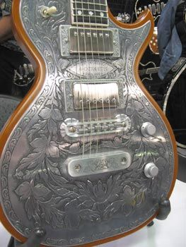 Now that's actually a beautiful guitar. |35 Most Creative Guitars | Curious, Funny Photos / Pictures