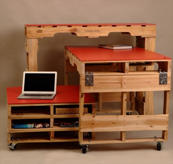 17 best images about pallets on pinterest shipping pallets desks and pallet chair. Black Bedroom Furniture Sets. Home Design Ideas