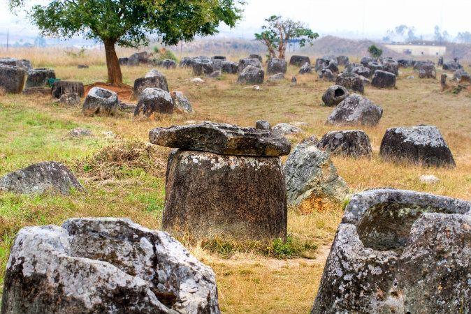 Artefatos misteriosos de Laos inspiram lenda de gigantes   #AprilHolloway, #Arqueologia, #Bombas, #Gigantes, #IdadeDoFerro, #Jarras, #Laos, #Lendas, #PlanícieDaJarras