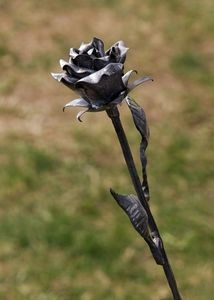 How to Make Metal Roses