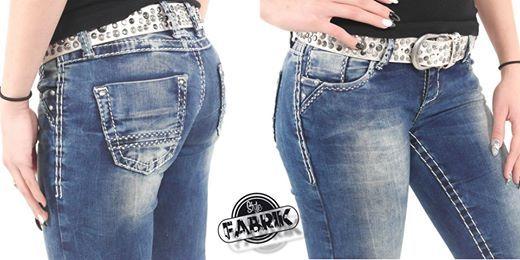 Jetzt neu bei uns Stylische Damen Jeans von Cipo & Baxx Straight Fit mit weißen Nähten und Ziernieten Hier bei Amazon ansehen: http://www.amazon.de/gp/product/B00S1M4PY6/ref=as_li_tl?ie=UTF8&camp=1638&creative=19454&creativeASIN=B00S1M4PY6&linkCode=as2&tag=kbco05-21&linkId=GUIEHNGOVGBSDGWM Viel Spaß beim shoppen Die Stylefabrik ( Am Eggenkamp 21, 48268 Greven )
