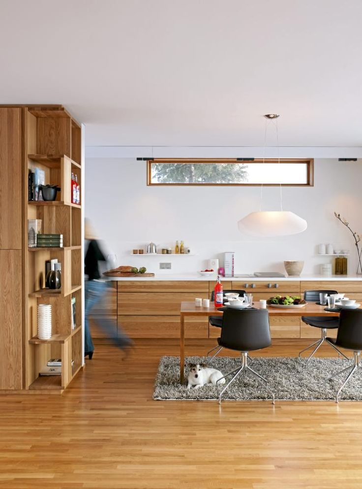 kjøkken i eik uten overskap / Oker arkitektur