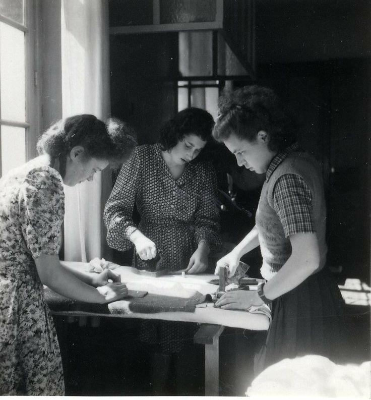 Histoire cole de mode paris ecole de la chambre for Chambre de syndicale
