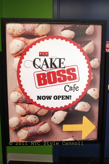 NYC, Style and a little Cannoli: Cake Boss Cafe at the Discovery Times Square