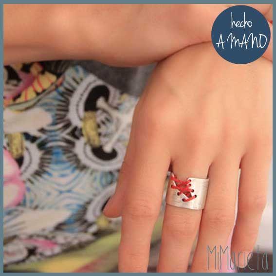 """Anillo """"Vale para un roto y un descosido"""" http://www.mimarieta.com/producto/anillo-vale-para-un-roto-y-un-descosido/"""