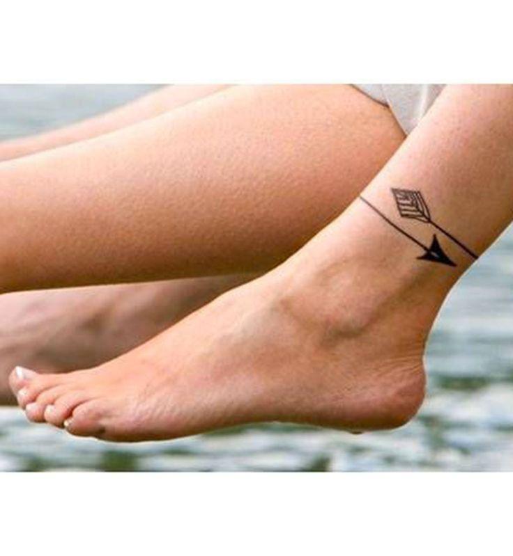 tatouage flèche cheville