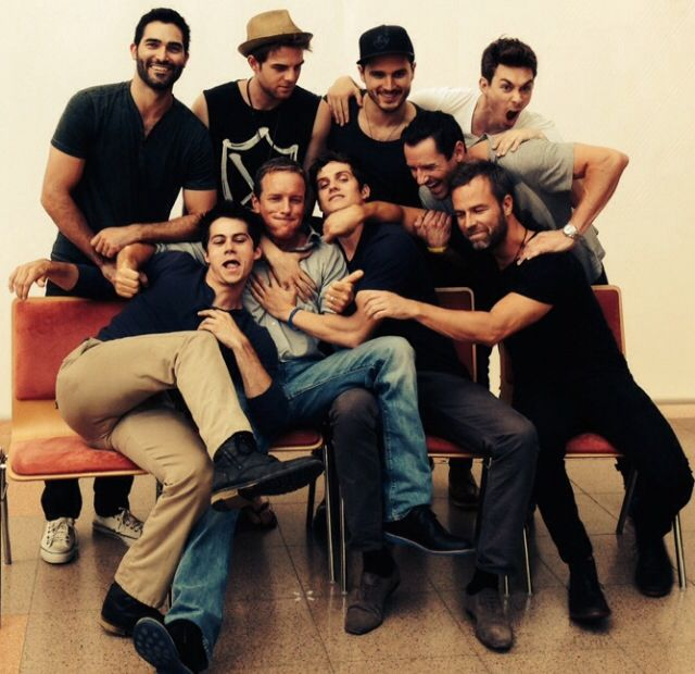 Alphacon :) Ian Bohen, Tyler Hoechlin, Dylan O'Brien, Daniel Sharman, JR Bourne, Linden Ashbey... Etc how cute is that photo