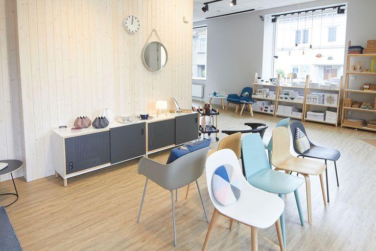 DesignVille Store: Muuto Nerd chair, HAY Strap mirror, Normann Copenhagen Kabino