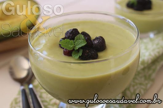 Esta Mousse Cremosa de Abacate Diet fez imenso sucesso aqui em casa, tive de repeti-la várias vezes!!!   #Receita aqui: http://www.gulosoesaudavel.com.br/2017/03/20/mousse-cremosa-de-abacate-diet/