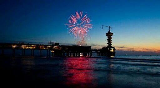 Fireworks over de Pier