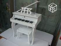 Piano a queue enfant en bois