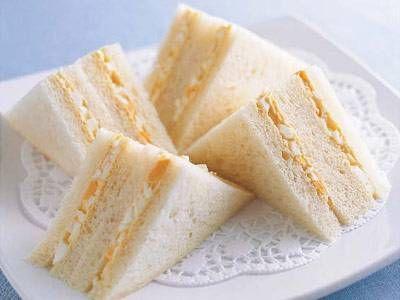 脇 雅世 さんの「卵サンド」。ゆで卵とマヨネーズを混ぜてパンではさめばでき上がり! NHK「きょうの料理」で放送された料理レシピや献立が満載。