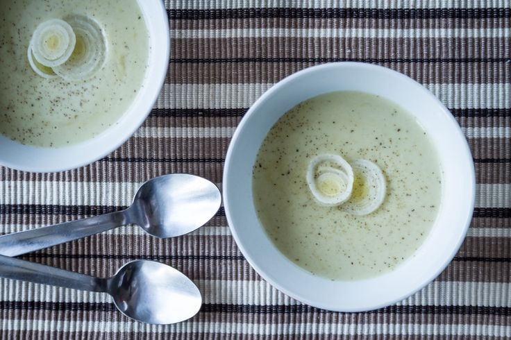 Leek and potato velvet soup!!! Perfect for a small bowl as a starter for a dinner!