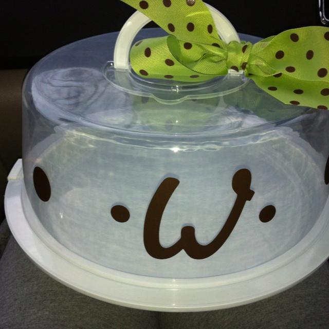 So easy Vinyl adhesive Cricut ribbon and cake carrier