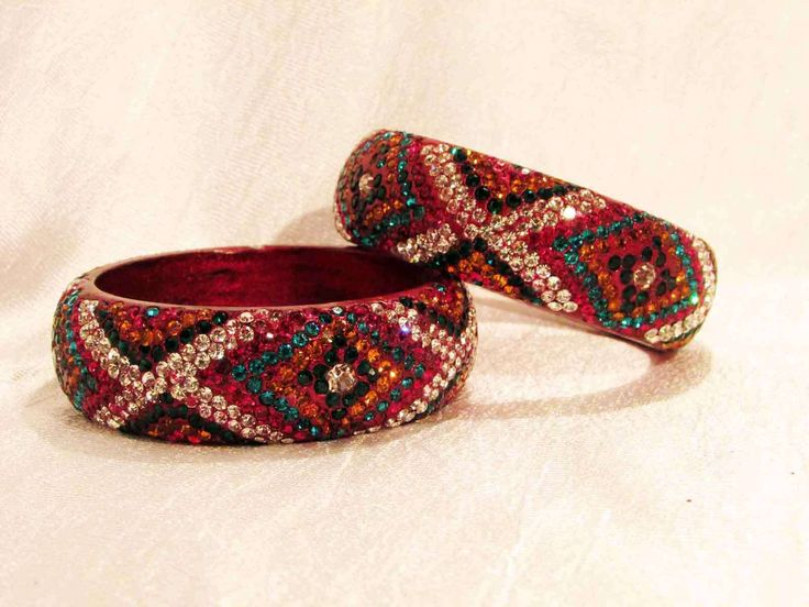 Lakh bangle red design available at Crazzy Bazaar.