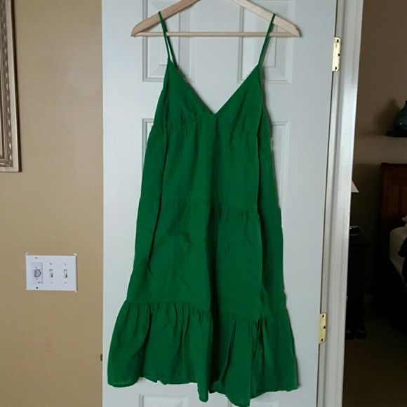 Green Old Navy Dress - Small Petite Really cute shamrock green dress. Dress and Lining both 100% cotton. Perfect for a spring break trip! Old Navy Dresses