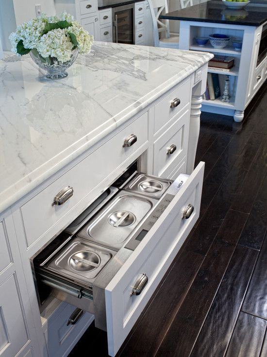 #StandardPaint island with hidden warming drawer... genius! I would love to hide as many appliances as possible. Mixers, warming drawers, and my husbands toaster! lol