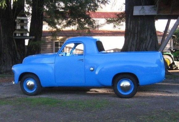 '51 Holden FX 50-2106 Ute. Never seen one. Always kinda liked Holden.
