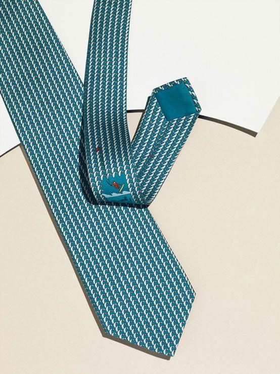 Hermès twill tie. Spring-Summer 2013. Photo : Max Farago.