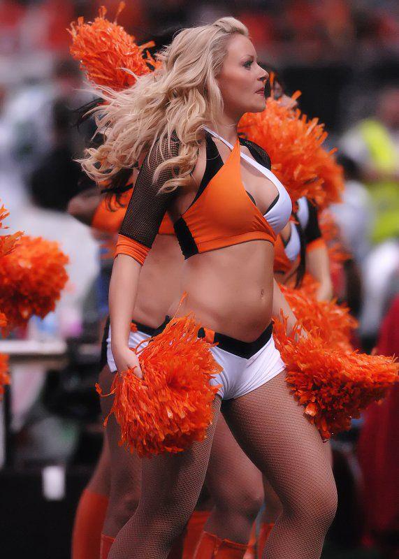 B.C. Lions Cheerleaders. Google Image Result for http://i.pbase.com/g3/87/559887/2/89747620.F2lzhQ7f.jpg