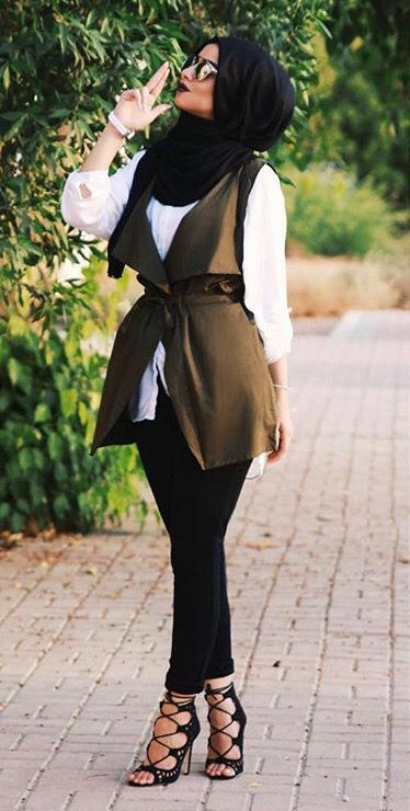 nice Love the sleeveless veste... by http://www.newfashiontrends.top/hijab-fashion/love-the-sleeveless-veste/