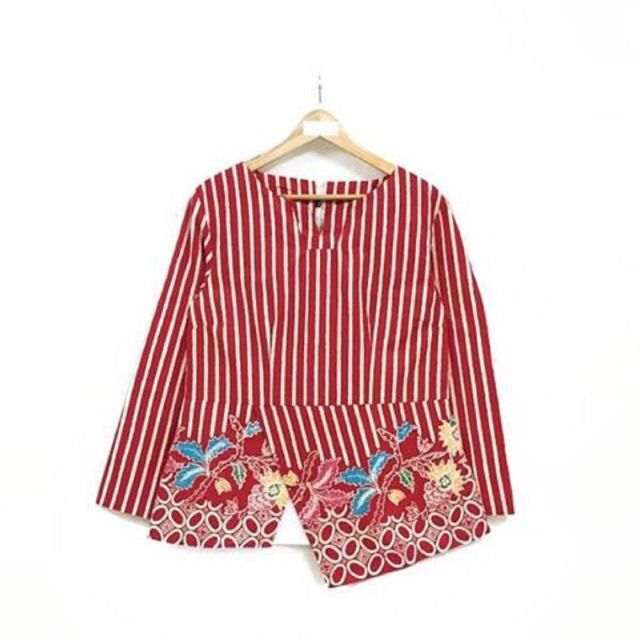 Saya menjual Blouse batik panjang seharga Rp124.000. Dapatkan produk ini hanya di Shopee! https://shopee.co.id/nurika.batik/243017784/ #ShopeeID